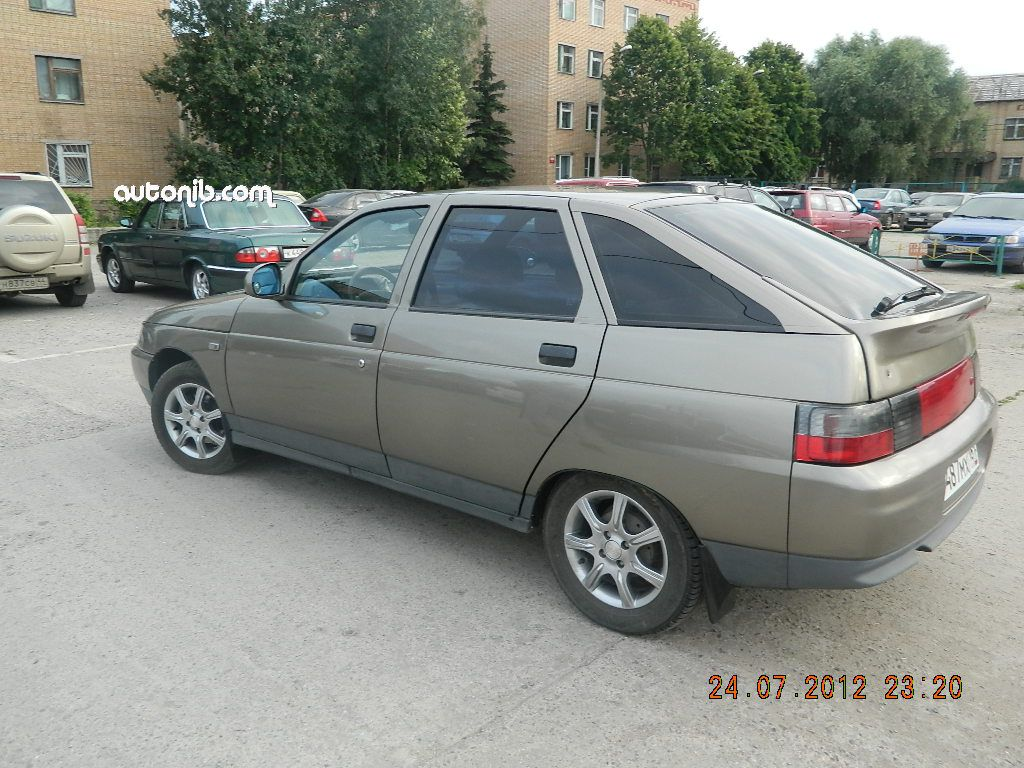 Купить ВАЗ 2112 2002 года в городе Лобня