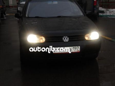 Купить Volkswagen Golf 2002 года в городе Москва